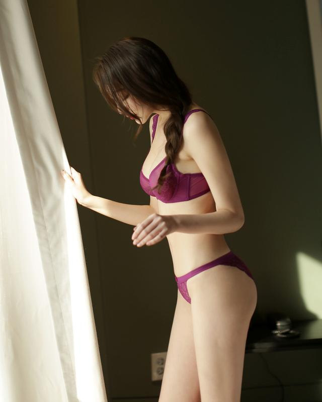 画像: シースルーとレースがセクシーな印象に。 www.dholic.co.jp