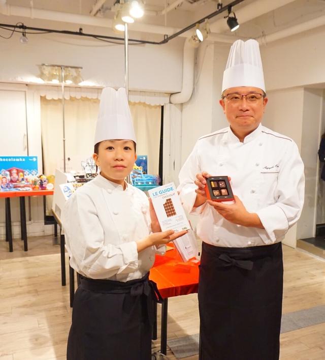 画像: 右:ショコラティエの大石さん 左:ショコラティエールの山田さん
