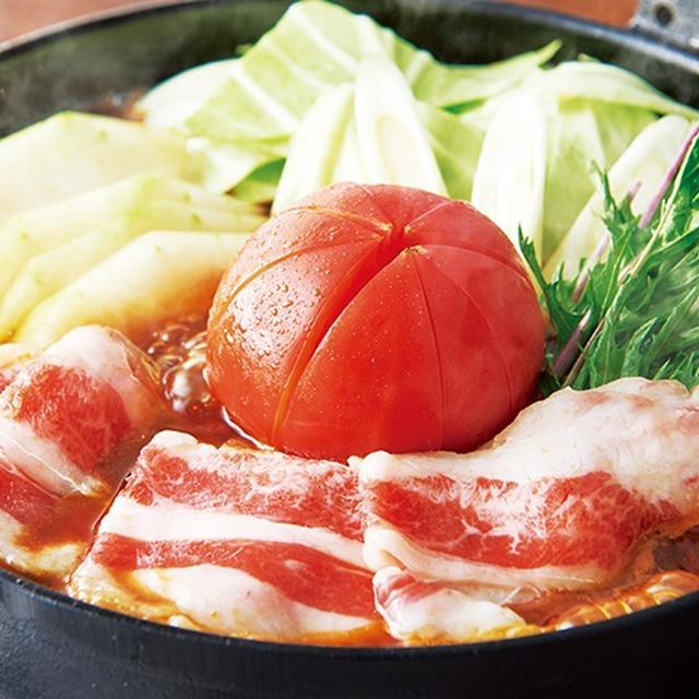 画像: トマトすき焼き鍋 香ばしい醤油とザラメのコクの香りを感じられるすき焼きの濃厚な味が、トマトの酸味でさっぱりとした味わいに。※トマト抜きも承ります。