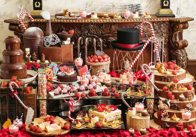 画像1: 恋する季節到来!いちごとチョコレートのハーモニーを楽しめる『バレンタイン デザートブッフェ~恋する苺 and The Chocolate Factory~』