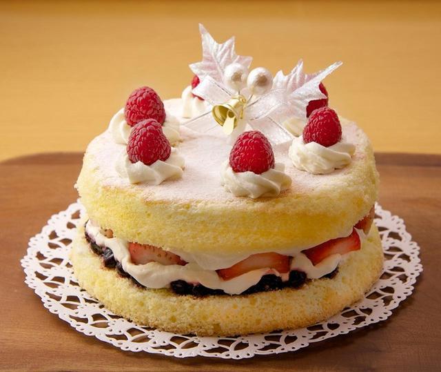 画像: 英国で親しまれている 『ヴィクトリアケーキ』(直径約15cm)3,218円