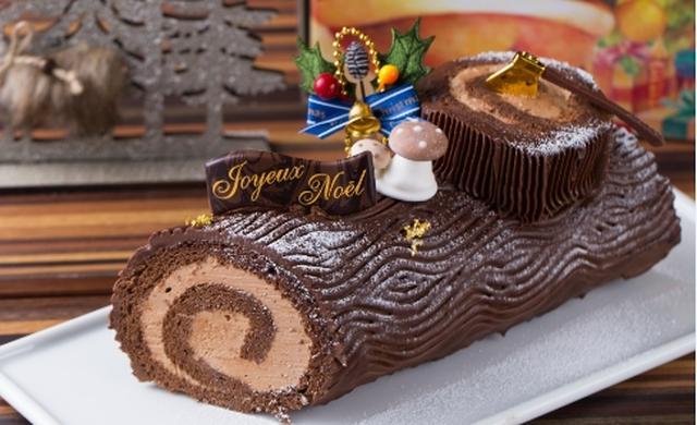 画像: ブッシュドノエル 販売価格3,800円 ロールケーキを丸太にみたてました。ほろ苦いコーヒーとスイートチョコの組み合わせは相性ばっちり!特別な夜にぴったりなケーキに仕上げました。