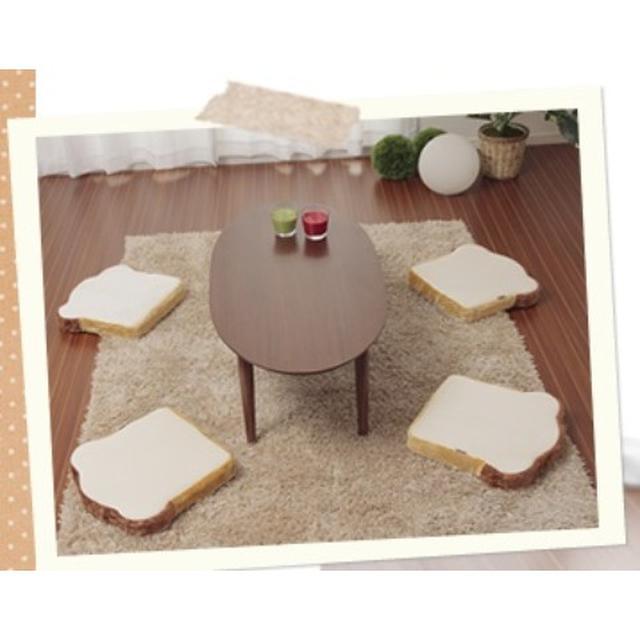 画像: 食パンクッション(6,458円) 人気の4枚切りタイプ セットにしてカバーをかければ1斤タイプに変身! 食パン机にしてもイイしオットマン(足置き)としても使えます。 サイズ(組み合わせ時) 37×37×24cm