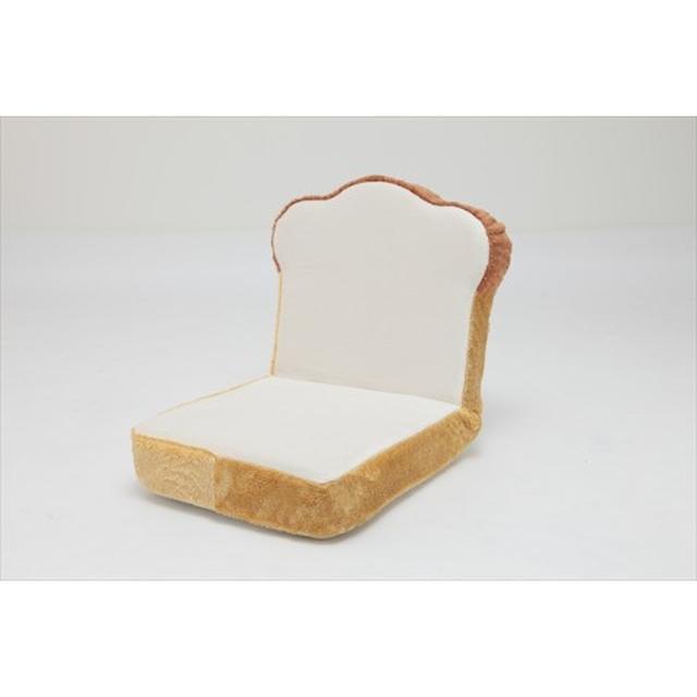 画像: 食パン座椅子(5,378円) ふかふかのパンに座れます。 ・5段階リクライニング ・座面は低反発ウレタン仕様 ・安心の日本製 サイズ W45×D54×H46cm