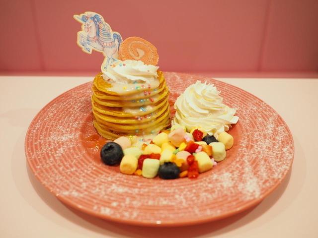 画像: ユニータのゆめかわパンケーキ 1,200円(税抜)