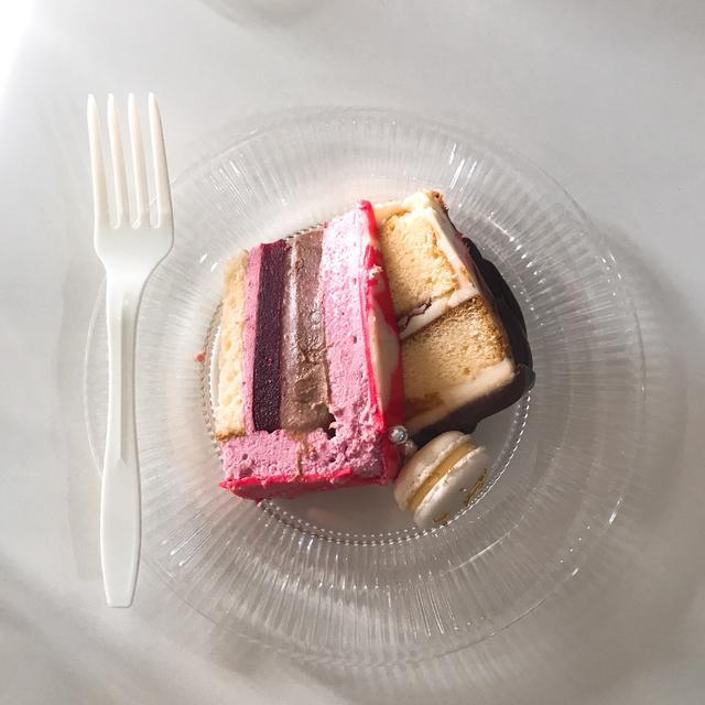 画像: ケーキは美味しくいただきました♡