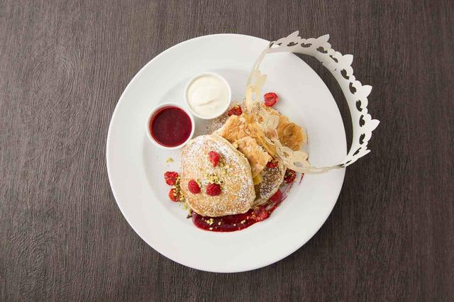 画像2: 「サラベス」期間限定パンケーキ『ガレット・デ・ロワ パンケーキ』