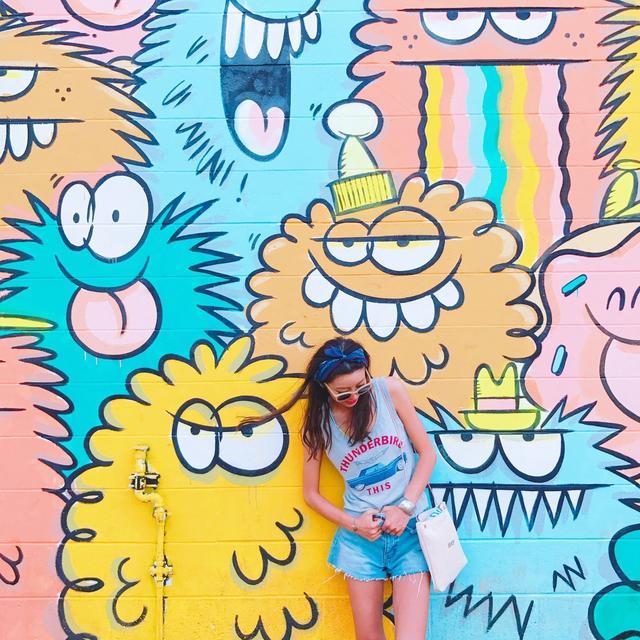 画像: <mariko profile> Instagram でフォロワー約13 万人を誇る大人気インスタグラ マー。趣味で投稿していたインスタグラムが多くのフォロワーから支持を集め、プロデュース業など様々な媒体で活動の場を広げる。シンプルでナチュラルなファッション、ライフスタイ ルをSNSで発信しています。
