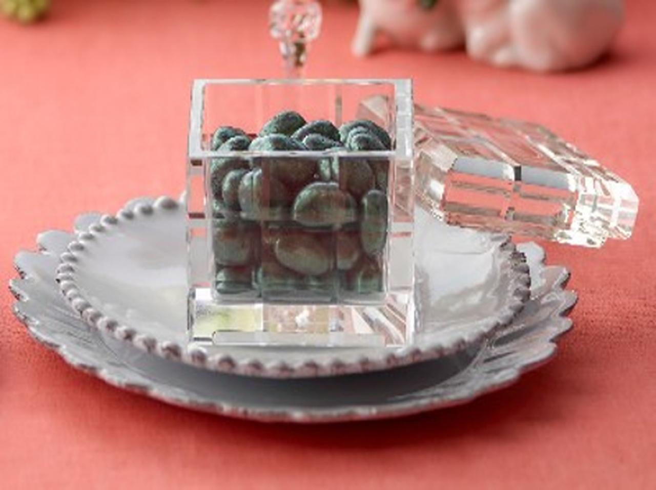 画像: ■マリベル ニューヨーク/ガラスキューブ エメラルドピスタチオボール〔約65g〕 5,400円 宝石のようなピスタチオボールをガラスキューブに詰めました。