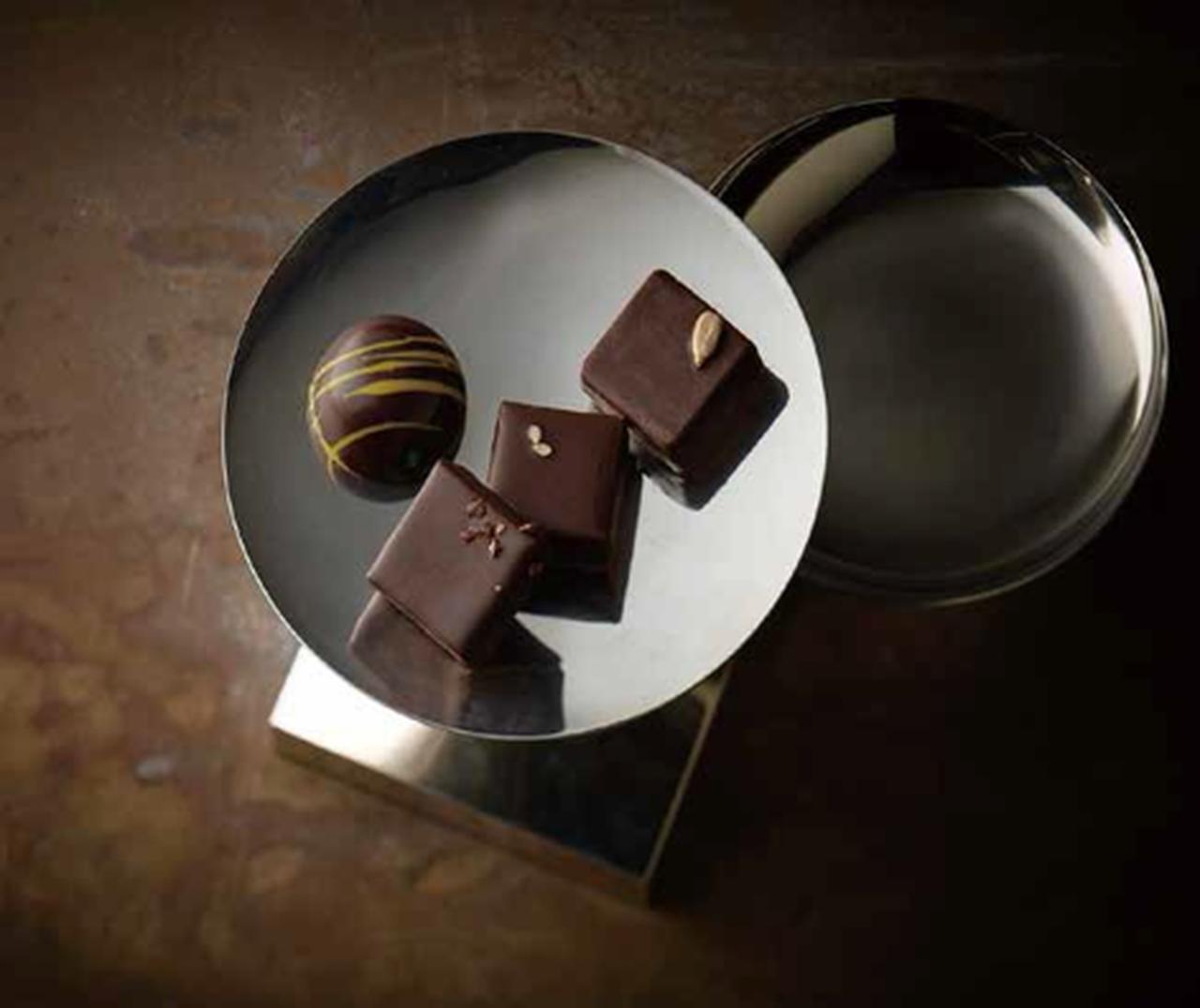 画像: ■アスナ/ソレイユ〔4個入〕 2,538円 パティシエ自らが畑を訪れて念入りに選別した、カカオへのこだわりに注目の洗練されたチョコレート。