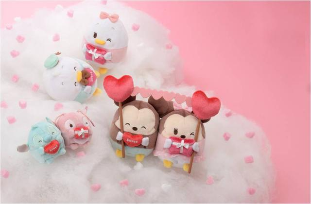 画像: バレンタインギフトを手にした幸せいっぱいのDisney ufufy(ウフフィ)もスペシャル仕様で1月26日(金)に登場!