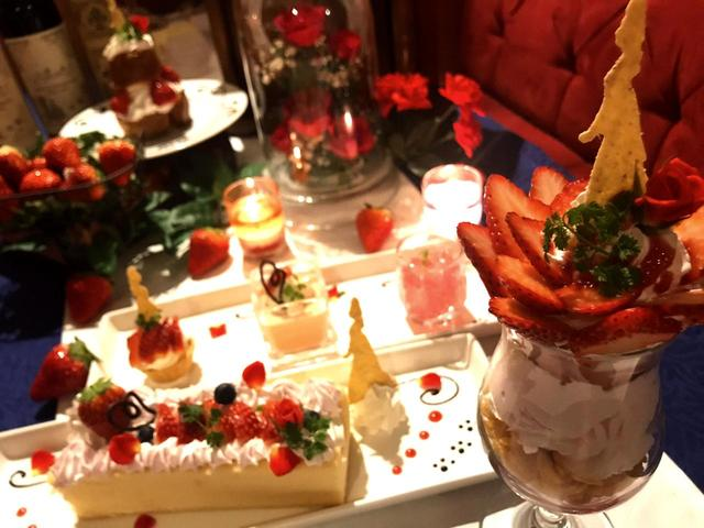 画像1: 美女と野獣のカフェが「美女と野獣の苺フェア」開催