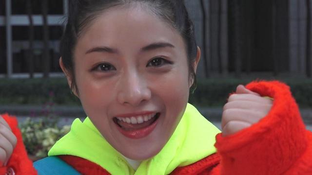 """画像: challenge 192:思わず振り向く応援をしよう! (東京マラソン2018) ・今年で12回目となる、東京の冬の風物詩""""東京マラソン""""に際して、チャレンジ動画も特別verに。 ・今回は、思わずランナーが振り向いてしまいそうな、いつもとは違った言葉での応援方法を石原さんがお届けします。一体どんな言葉を考えたのでしょうか…? [東京メトロは、東京マラソン2018のオフィシャルパートナーです。]"""
