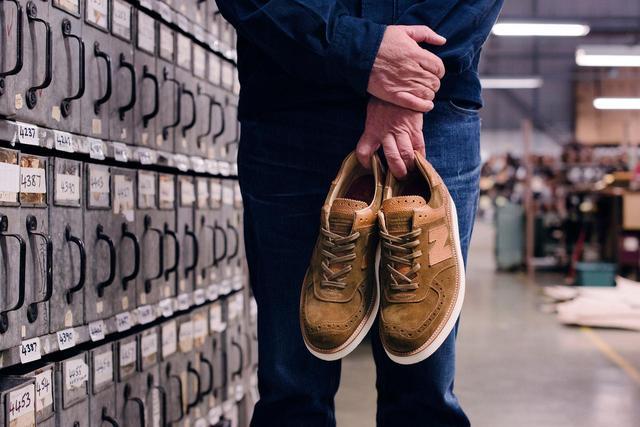 画像2: Grenson×new balanceコラボレーション!高級革靴をイメージした「576」が発売