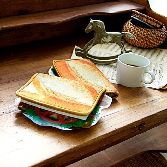 画像1: 一見、サンドイッチ。だけど、これブックカバーなんですw