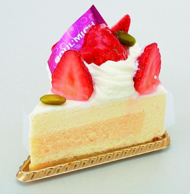 画像: <ブールミッシュ>苺のレアチーズケーキ 562円 ※東横のれん街限定 ベイクドチーズもプラスして味わい豊かに。