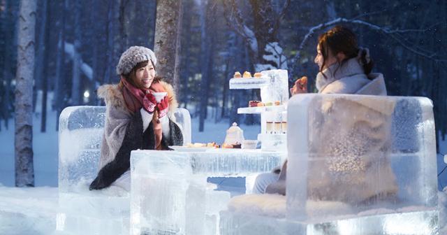 画像: 雪降る森の特別席で過ごすバレンタイン「氷のティーパーティー」