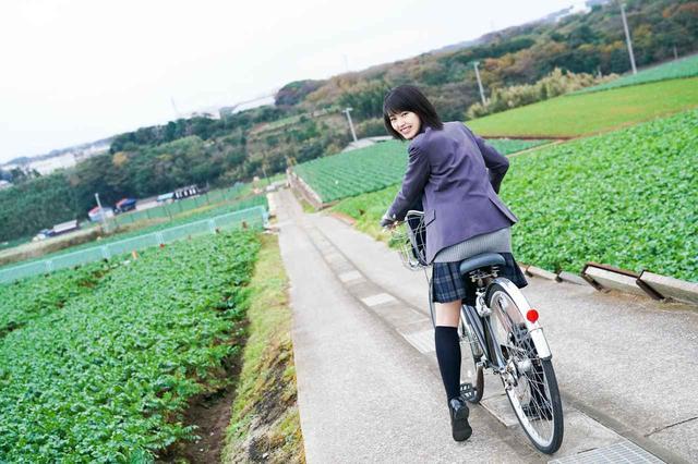画像4: 透明感あふれる16歳の清純派女優・竹内愛紗のカレンダーが発売決定!