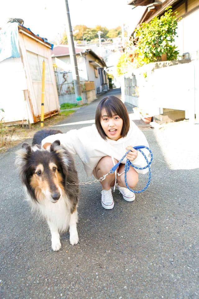 画像2: 透明感あふれる16歳の清純派女優・竹内愛紗のカレンダーが発売決定!