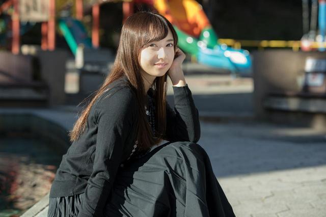 画像: 小宮 有紗(こみや ありさ) 1994年2月5日(23歳)、栃木県出身。 2012年、『特命戦隊ゴーバスターズ』(テレビ朝日)の宇佐見ヨーコ/イエローバスター役でテレビドラマ初出演。 2015年、アニメ『ラブライブ!サンシャイン!!』(黒澤ダイヤ役)への出演に抜擢され、同作から生まれたアイドルグループ『Aqours』のメンバーとしても活動を開始する。 映画、ドラマなど幅広く活躍中。