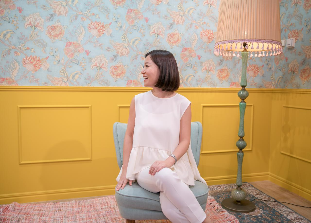 画像: お花柄の壁が可愛いブースでゆったりと