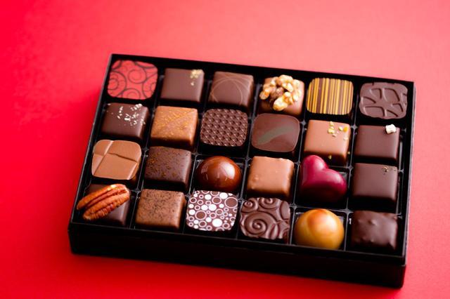 画像2: Bon Bon Chocolat Assortiment 12P(ボンボンショコラ 12個入り) ¥2,800