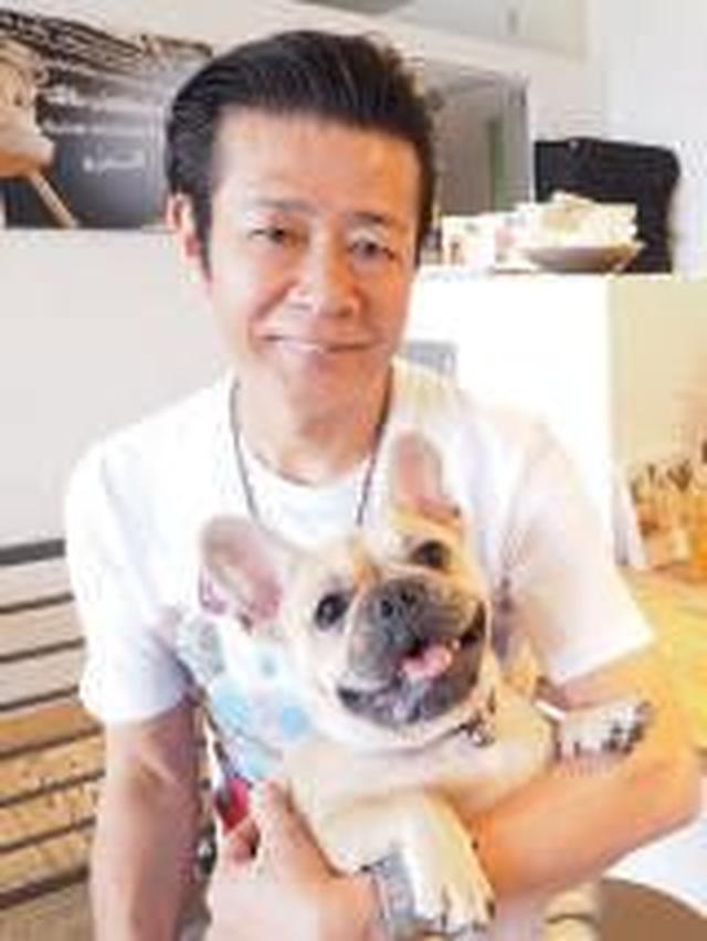 画像: 西田篤史 1956年生まれ。テレビ、ラジオ、イベント司会、CMなどの分野で活躍する広島を代表するタレント。近年は映画出演、CD発売も。著書『広島のローカルタレントあっちゃん、』(ザメディアジョン)。庄原ふるさと大使。