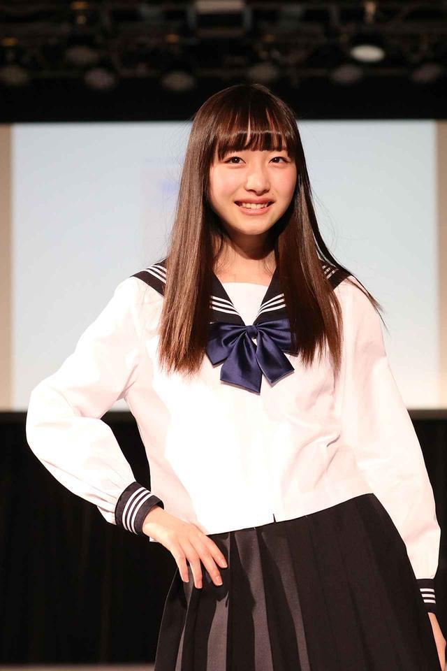 画像: LINEのスマートスピーカーCMなどに出演し注目される、ブロッサムレポート ネクストブレイク賞内田珠鈴さんは白いセーラー服を着用。