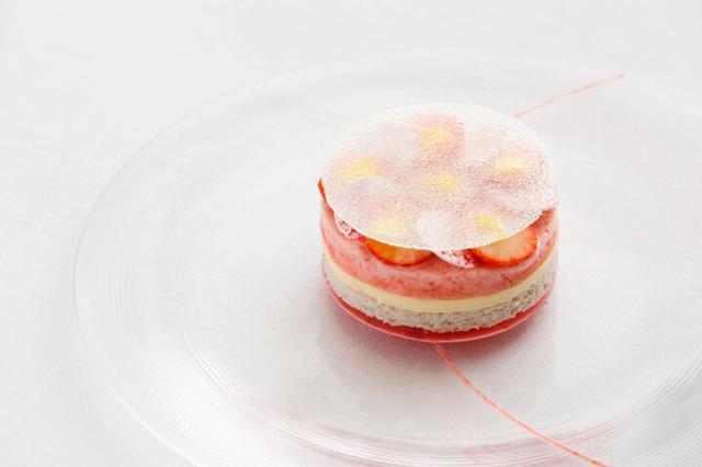 画像3: さまざまな苺のデザートを堪能できるメニュー
