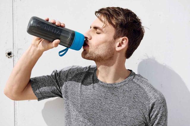 画像5: スクイーズタイプのボトルでゴクゴク飲める!浄水フィルター付きボトル「fill&go Active」登場