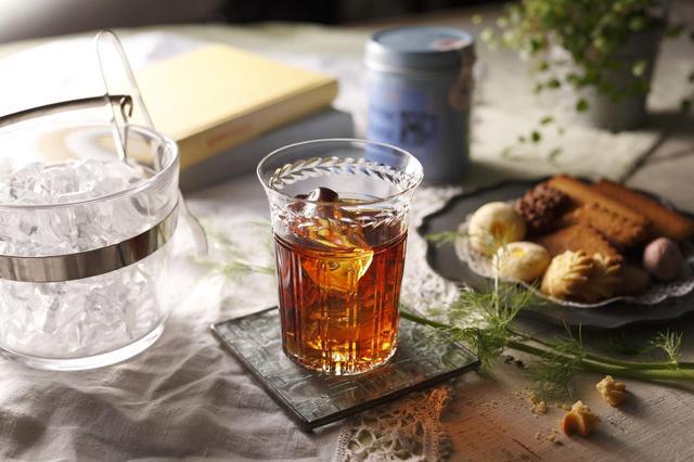 """画像3: """"女性のための恋するお酒"""" 養命酒製造×カレルチャペック紅茶店 コラボの新商品「桃の紅茶酒」"""