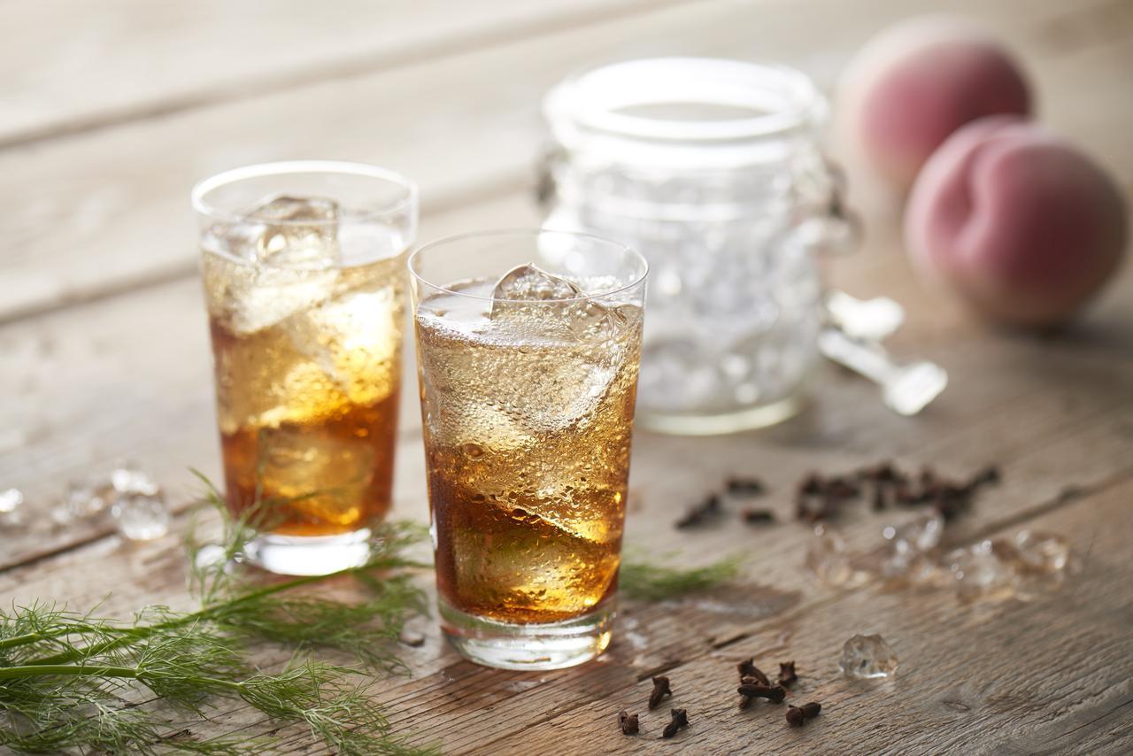 """画像5: """"女性のための恋するお酒"""" 養命酒製造×カレルチャペック紅茶店 コラボの新商品「桃の紅茶酒」"""