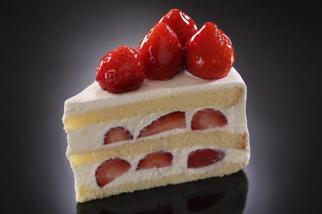 画像: 「いちごっこ」のショートケーキ 単品 テイクアウト800円、イートイン880円 茨城県の甘味が特長の「いちごっこ」を使用。子供から大人まで楽しめるベーシックなショートケーキです。