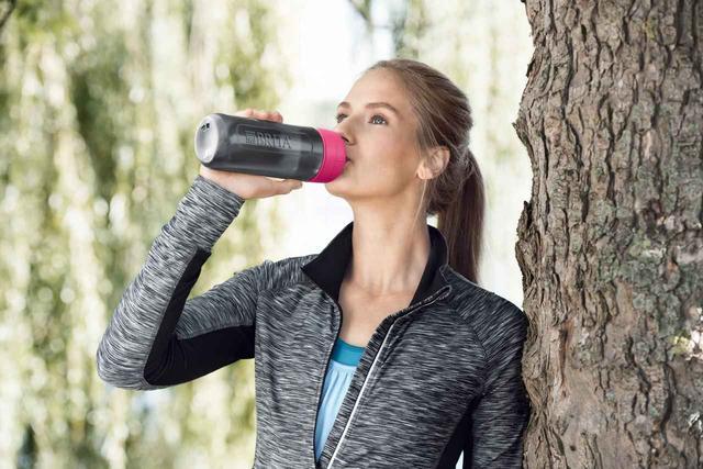 画像4: スクイーズタイプのボトルでゴクゴク飲める!浄水フィルター付きボトル「fill&go Active」登場