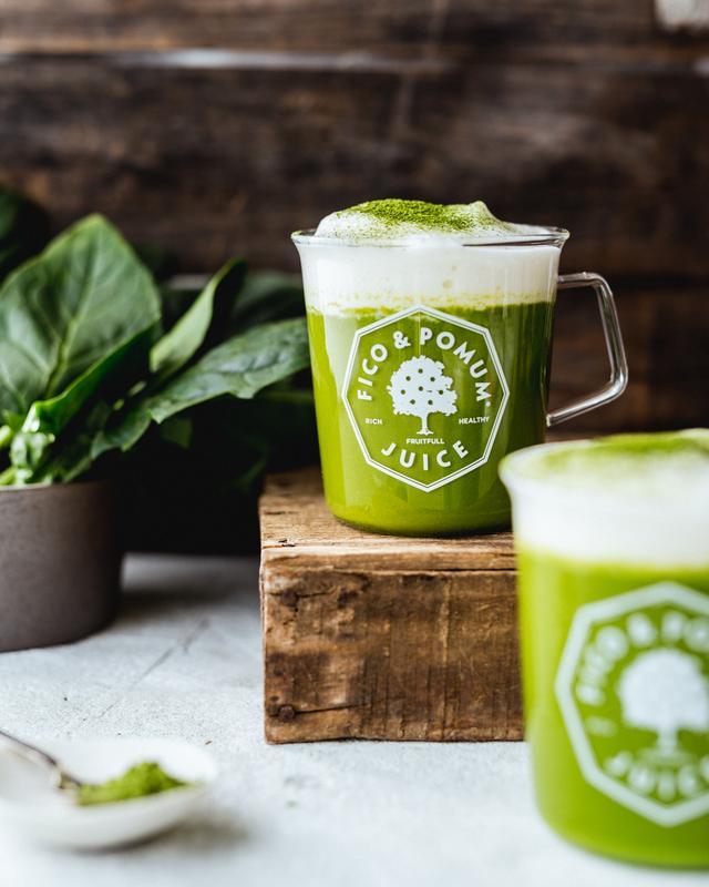 画像: 抹茶とほうれん草のベジラテ