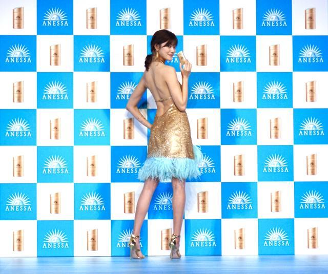 画像: ご自身でデザインしたドレスとのこと!
