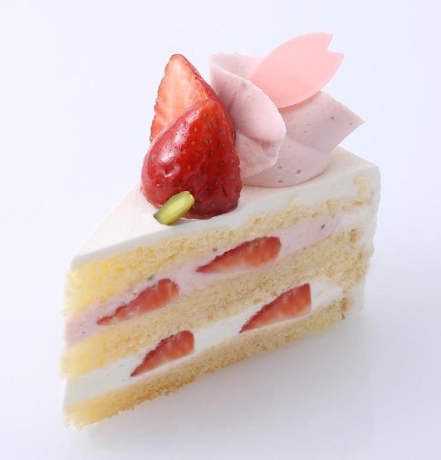 画像: ■商  品 名 : さくらのショートケーキ ■価      格 : 本体価格 580円(税込 627円) ■商品特徴 : さくら餡を使った香り豊かなクリーム、北海道産生クリームを2種類ブレンドしたクリームに甘酸っぱい苺をサンドした春限定ショートケーキ。 ■販売期間 : 3月4日(日)〜4月15日(日)