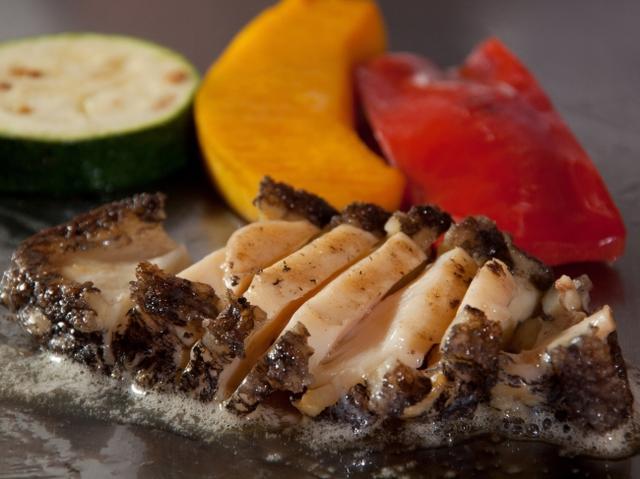 画像: 日本料理なにわ 鉄板焼 11:30~14:00(土・日・祝日は15:00まで)、17:30~21:30(L.O. 21:00)※定休日:第2・4火曜日