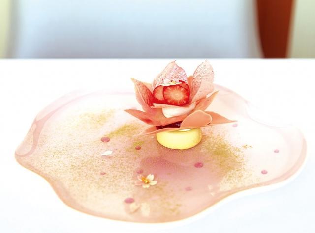 画像: 六本木テラス フィリップ・ミル 六本木テラスに舞う桜 1,944円(サ別・ディナーのみ) ガーデンテラス4F / 03-5413-3282