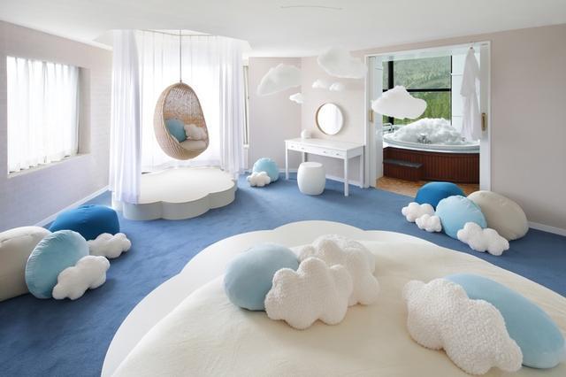 画像1: 雲のふわふわ感を体感できる「雲スイートルーム」で盛り上がる「雲パーティー」
