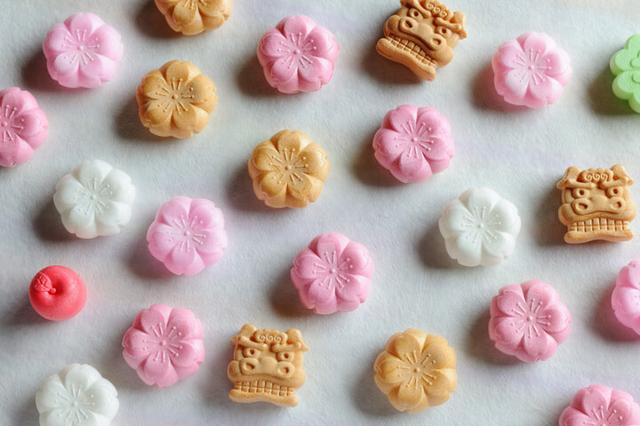 画像: 桜もなかづくりと春のお茶会