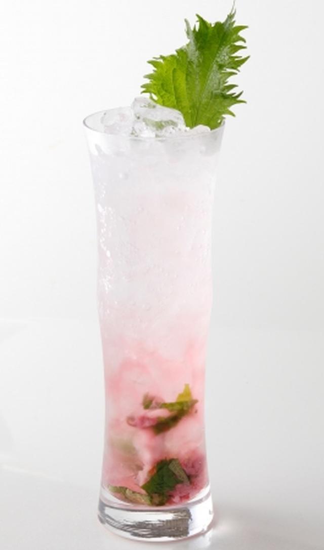 画像: 『花霞』 ジンベース 咲きそろった桜の花が、淡く霞がかった風景を表現した春色のカクテル。プレミアム・ジンの精錬された味わいと桜の香りが出会い、春を感じる一杯に仕上がっています。