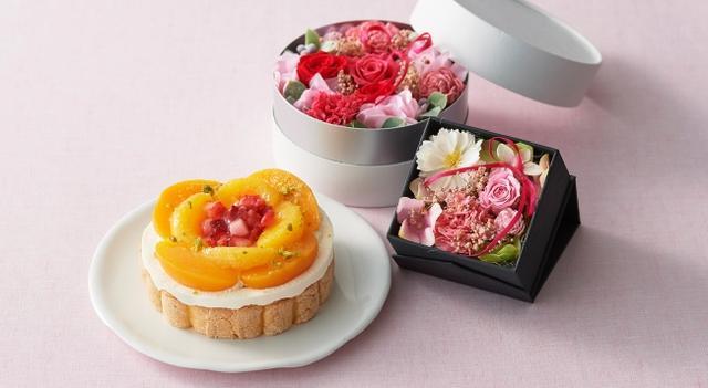 画像: 花束のような美しいスイーツとカーネーションの母の日ギフト予約受付スタート!