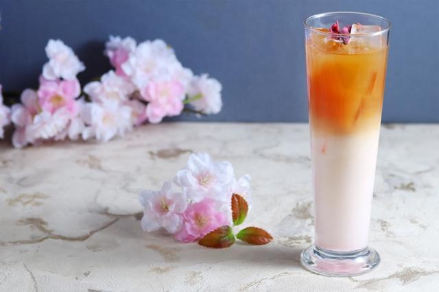 画像: 桜のアイスミルクティー 650円(税抜)