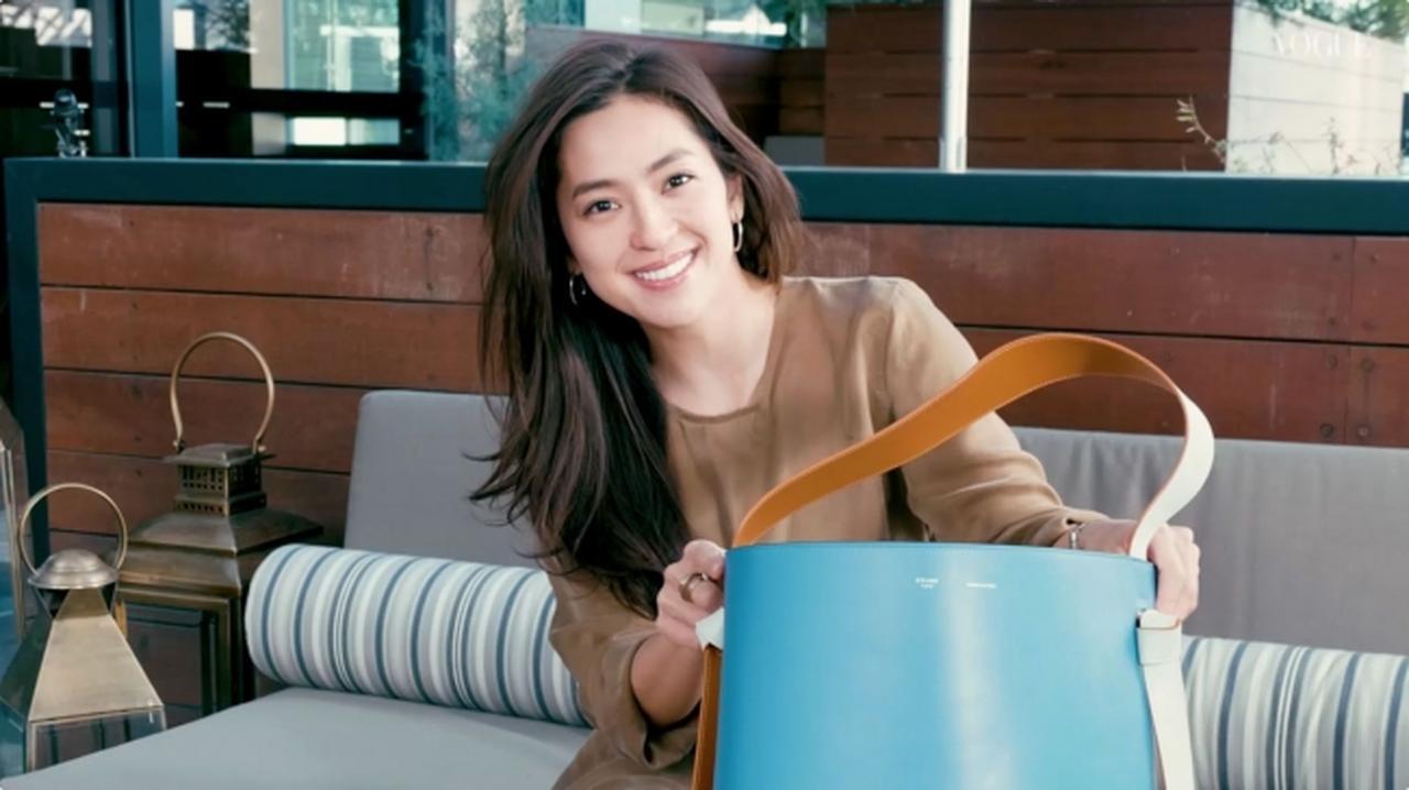 画像: 中村アンさんが「VOGUE VIDEOS」の人気シリーズ『In The Bag』の新エピソードに登場!