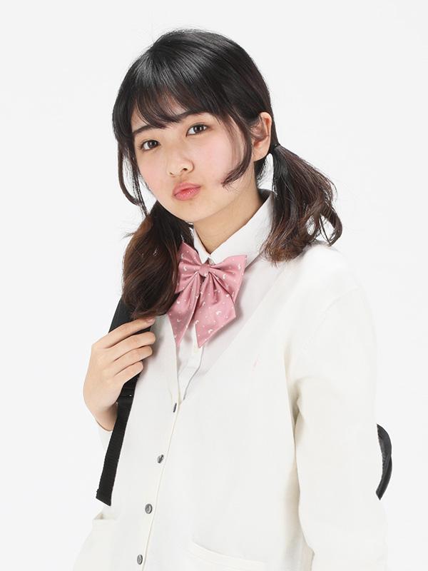 画像: 名前   :伊藤 みゆ(いとう みゆ)さん 生年月日 :2003/1/9(新高1) Twitter :@m__iyu0109 Instagram:m_iyu.0109 抱負: カンコー委員会として制服だけではなくバッグなどのグッズもアイデアを出していきたいと思います。よろしくお願いします。