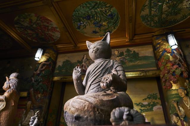 画像: 猫を抱く大仏/水谷満作