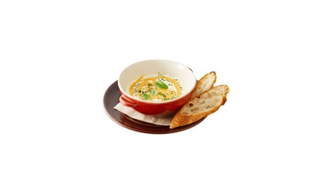 画像: 「kiriとスプリングポテト、サンマルツァートマトのクリーミースープ」 ・「キリ クリームチーズ」と新じゃがいもでつくったポタージュスープがベース。