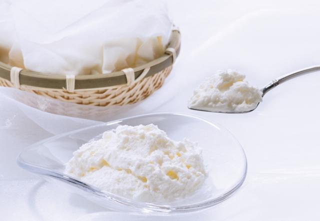 画像: 累計500万個超えのふわふわチーズケーキ、銀のぶどう『かご盛り 白らら』が期間限定オープン!