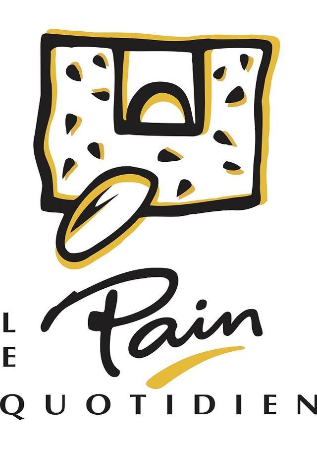"""画像: 【Le Pain Quotidien (ル・パン・コティディアン)とは】 ル・パン・コティディアンは、1990年に料理人アラン・クモンによりベルギーにて創設されたオーガニック中心のシンプルでエレガントなベーカリーレストランです。現在、パリ、NY、ロンドンを中心に全世界250店舗以上で展開し、各国のセレブリティにも愛されているブランドです。フランス語で""""日々の糧""""を意味する店名の通り、オーガニック小麦のパンを中心に、毎日体に摂り入れたい健康的なメニューを提供します。素材を活かしたシンプルな調理法と盛り付け方、提供方法を追求しております。ベルギーのアンティーク家具に囲まれて味わうブランチや、ワインにぴったりな前菜、素材を活かしたメイン料理は、幅広いシーンでお気軽にご利用いただけます。"""